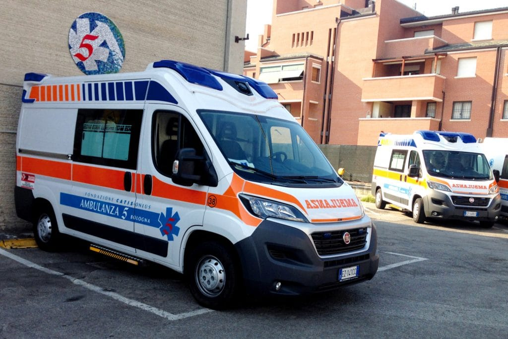 14 Fiat Ducato EDM Ambulanza: gli esterni